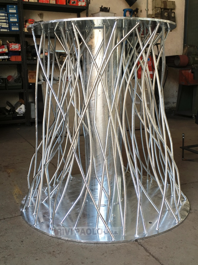 base in ferro zincata per scultura