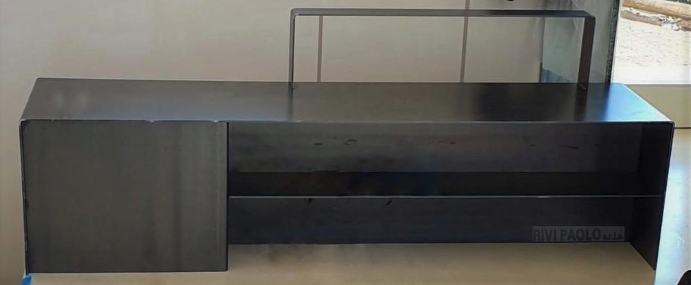 mobile tv in ferro lamiera sp. 6 mm. verniciato a polvere trasparente, disegno Studio Tecnico Pier Francesco Ferrarese